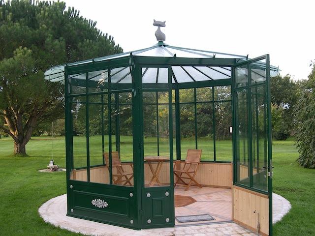 marvelous kiosque en fer forge 7 fabriant pergola en fer forg tnnelle abris de jardin. Black Bedroom Furniture Sets. Home Design Ideas